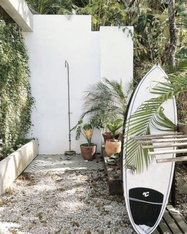 surfing-style areas of outdoor shower