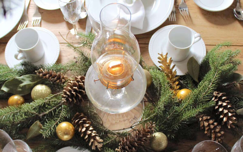 green christmas table ideas