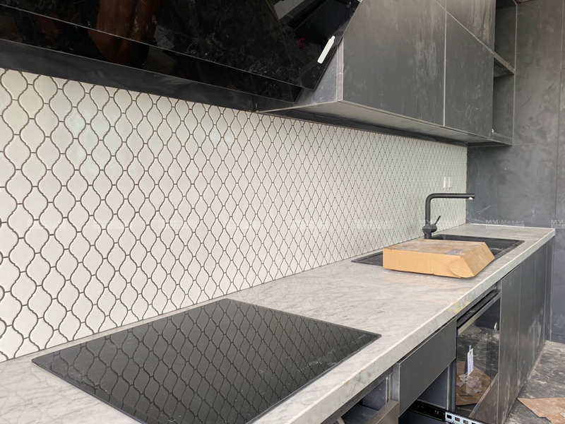 White arabesque tile for kitchen backsplash
