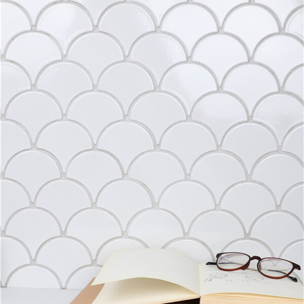 Glossy White Ceramic Fish Scale Mosaic Tile For Sale